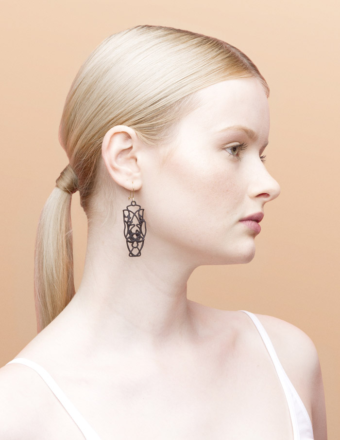 Shop-Approximations-earrings-APPEB-NIL_03